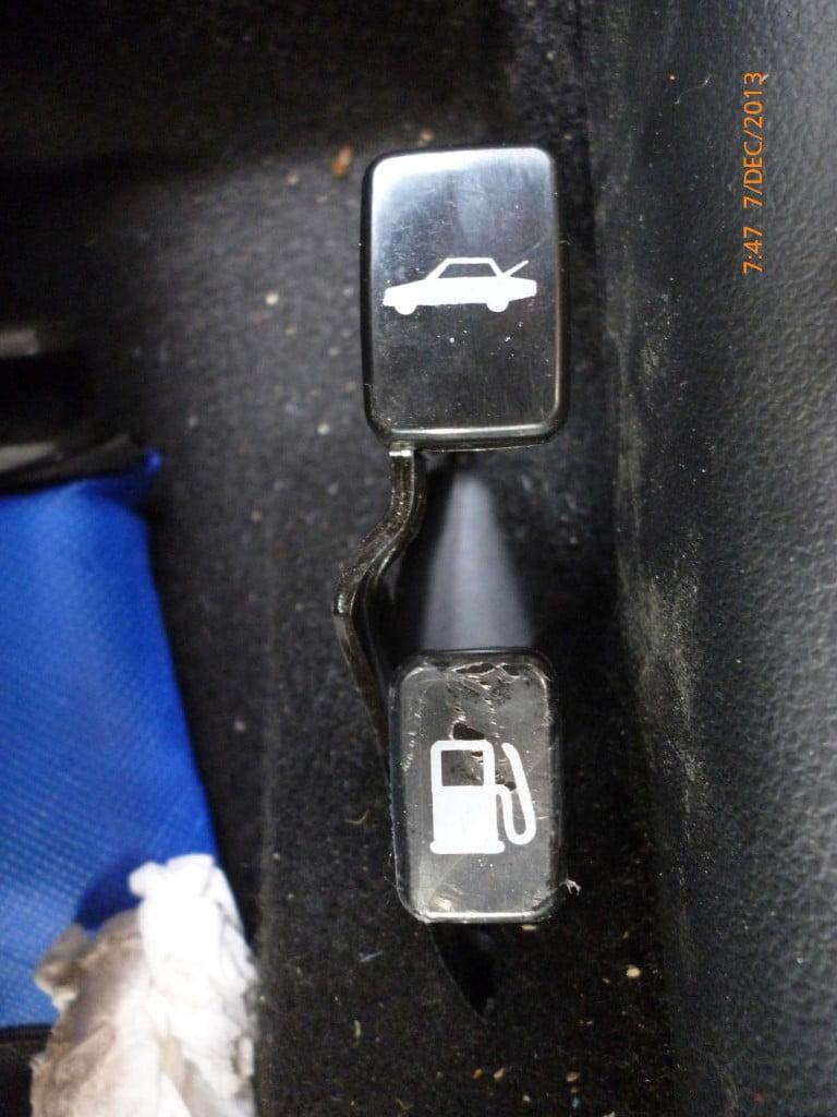 Switch Pintu Belakang Agya