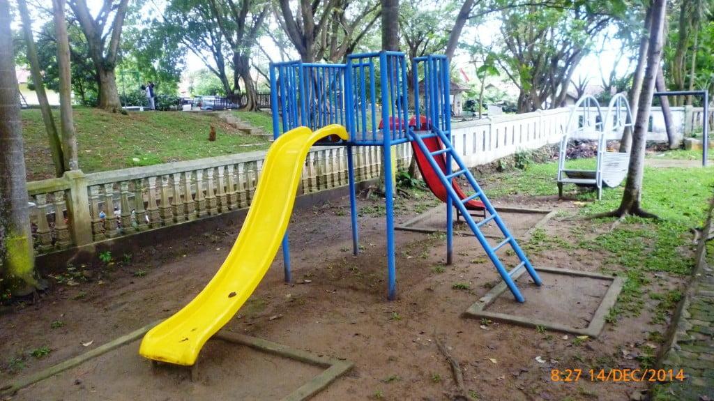 Arena Bermain Anak Pemandian Air Panas Way Belerang Kalianda